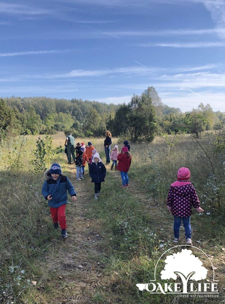 gyerekek-madarász-ovi-kunpeszér-peszéri-erdő-oakeylife